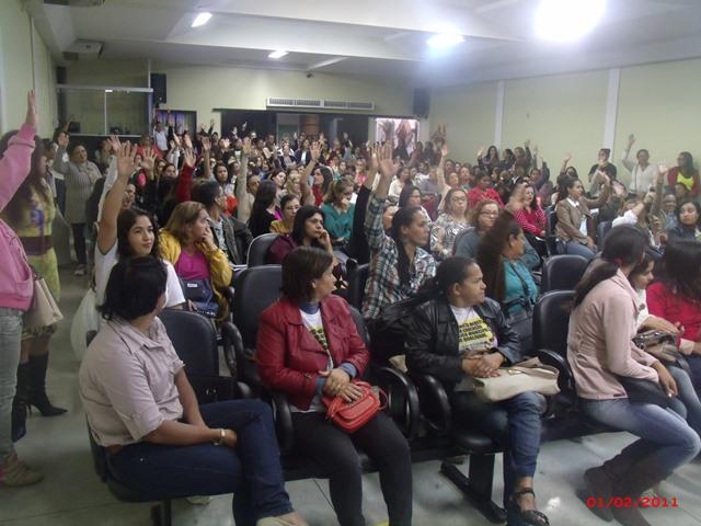 Rede Municipal de ensino entra em greve